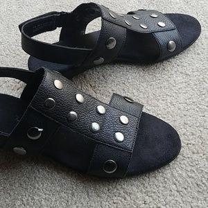 Aerosoles studded sandals black faux leather 10